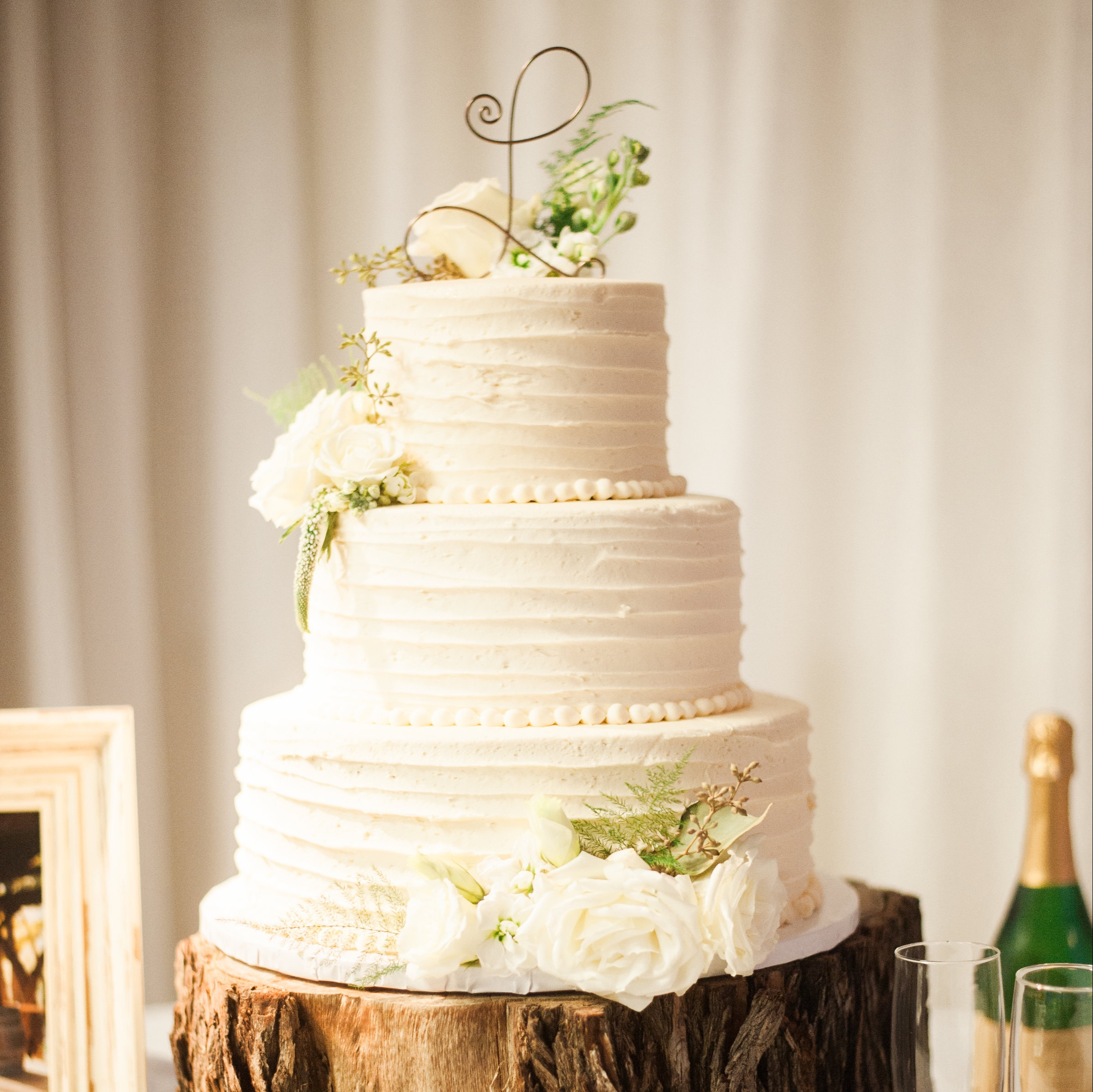 Wedding Cakes , Simply Delicious Bakery
